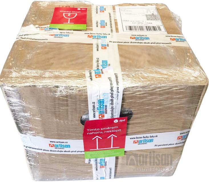 Starostlivo zabalený balík